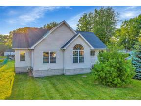 Property for sale at 31020 ADAMS DR, Gibraltar,  Michigan 48173
