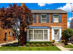 Property for sale at 1898 NORWOOD DR, Grosse Pointe Woods,  Michigan 48236