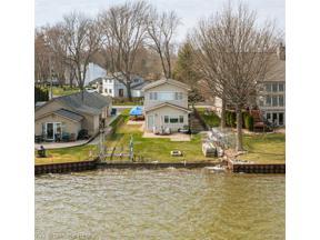 Property for sale at 1327 W LAKE DR W, Novi,  Michigan 48377