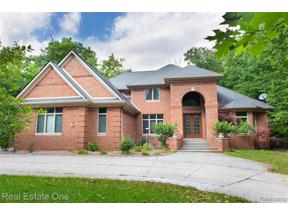Property for sale at 2490 ISLAND VIEW DR, West Bloomfield Twp,  Michigan 48324