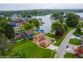 Property for sale at 631 RANVEEN DR, White Lake Twp,  Michigan 48386
