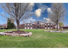 Property for sale at 9115 SANDY RIDGE DR, White Lake Twp,  Michigan 48386