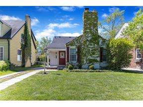 Property for sale at 1993 LOCHMOOR BLVD, Grosse Pointe Woods,  Michigan 48236