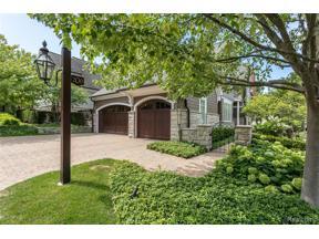 Property for sale at 200 Woodland Villa CRT, Birmingham,  Michigan 48009