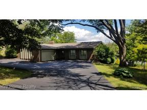 Property for sale at 3930 COVERT RD, Waterford Twp,  Michigan 48328