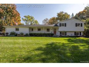 Property for sale at 2751 LAKE CHARNWOOD DR, Troy,  Michigan 48098