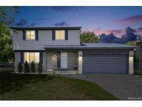 Property for sale at 29655 MACKENZIE CIR E, Warren,  Michigan 48092
