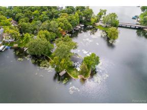 Property for sale at 250 Oak Island, Wolverine Lake Vlg,  Michigan 48390