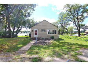 Property for sale at 8147 Farrant, Commerce Twp,  Michigan 48382
