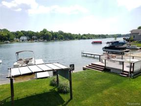 Property for sale at 415 COLEDALE DR, White Lake Twp,  Michigan 48386