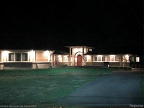 Property for sale at 1030 Lake Angelus SHRS, Lake Angelus,  Michigan 48326