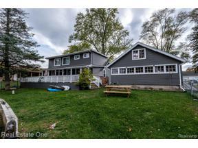 Property for sale at 9384 BUCKINGHAM ST, White Lake Twp,  Michigan 48386