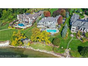 Property for sale at 945 N LAKE ANGELUS RD, Lake Angelus,  Michigan 48326