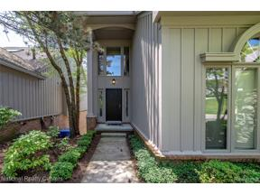Property for sale at 4801 MIRROR LAKE DR, West Bloomfield Twp,  Michigan 48323