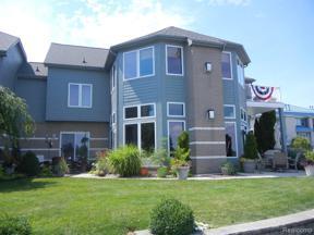 Property for sale at 33 KREGER DR, Wyandotte,  Michigan 48192