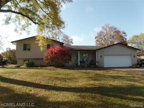 Property for sale at 4941 Shoreline Blvd, Waterford Twp,  Michigan 48329