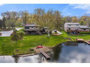 Property for sale at 905 BOGIE LAKE RD, White Lake Twp,  Michigan 48383