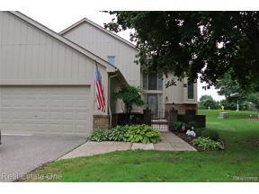 Property for sale at 37944 N LAUREL PARK DR 54 54, Livonia,  Michigan 48152