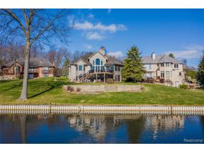 Property for sale at 64 CHATEAUX DU LAC, Fenton Twp,  Michigan 48430