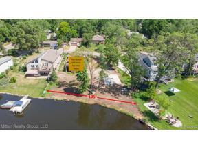 Property for sale at 1667 DELMONTE ST, Wolverine Lake Vlg,  Michigan 48390