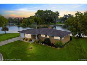Property for sale at 9186 SANDY RIDGE DR, White Lake Twp,  Michigan 48386