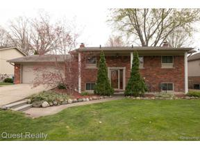 Property for sale at 800 HOLLY BUSH DR, Holly Vlg,  Michigan 48442