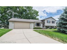 Property for sale at 7152 MAGNOLIA LN, Waterford Twp,  Michigan 48327