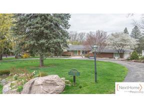 Property for sale at 35666 CASTLEMEADOW DR, Farmington Hills,  Michigan 48335