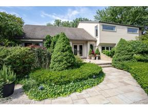 Property for sale at 3935 SHELLMARR LN, Bloomfield Twp,  Michigan 48302