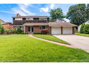 Property for sale at 330 KERCHEVAL AVE, Grosse Pointe Farms,  Michigan 48236