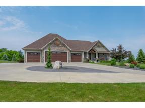 Property for sale at 21660 Boulder Creek Drive, Lakeville,  Minnesota 55044