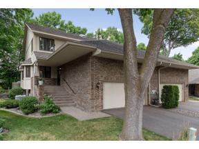 Property for sale at 1101 Hollybrook Drive, Wayzata,  Minnesota 55391