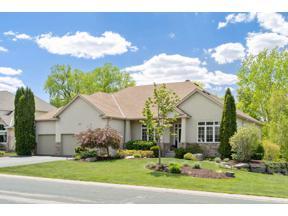 Property for sale at 9018 Whispering Oaks Trail, Shakopee,  Minnesota 55379