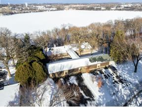 Property for sale at 3 Hazeltine Estate, Chaska,  Minnesota 55318