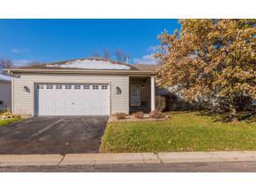 Property for sale at 962 Carriage Lane, Chaska,  Minnesota 55318