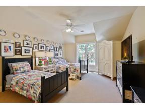 Property for sale at 330 Highcroft Lane, Wayzata,  Minnesota 55391