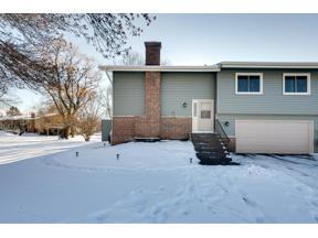 Property for sale at 1005 Pontiac Court, Chanhassen,  Minnesota 55317