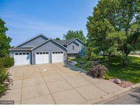 Property for sale at 2729 Shadow Wood Court, Chaska,  Minnesota 55318