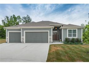 Property for sale at 6039 Lakecrest Drive, Shawnee,  Kansas 66218