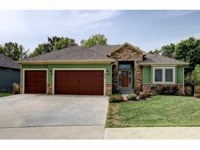 Property for sale at 413 NE Greenview Drive, Blue Springs,  Missouri 64029