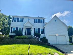 Property for sale at 327 NE Landings Drive, Lee'S Summit,  Missouri 64064