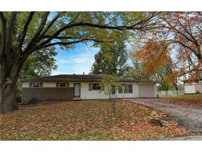 Property for sale at 1702 S Harding Street, Oak Grove,  Missouri 64075