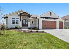 Property for sale at 822 Bridgeshire Drive, Raymore,  Missouri 64083