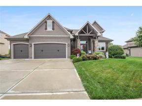 Property for sale at 1217 Lakecrest Circle, Raymore,  Missouri 64083