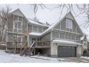 Property for sale at 320 NE Sunderland Court, Lee'S Summit,  Missouri 64064