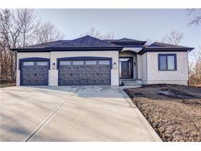 Property for sale at 7 Black Hawk Drive, Lake Winnebago,  Missouri 64034