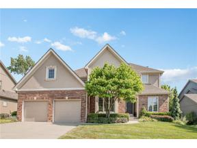 Property for sale at 7816 Sunset Drive, Parkville,  Missouri 64152