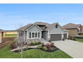 Property for sale at 1113 Dunvegan Lane, Raymore,  Missouri 64083