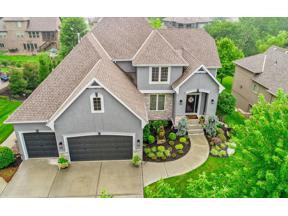 Property for sale at 1712 NE Lashbrook Drive, Lee's Summit,  Missouri 64086