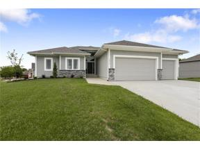 Property for sale at 1812 NE Pallisade Court, Blue Springs,  Missouri 64029
